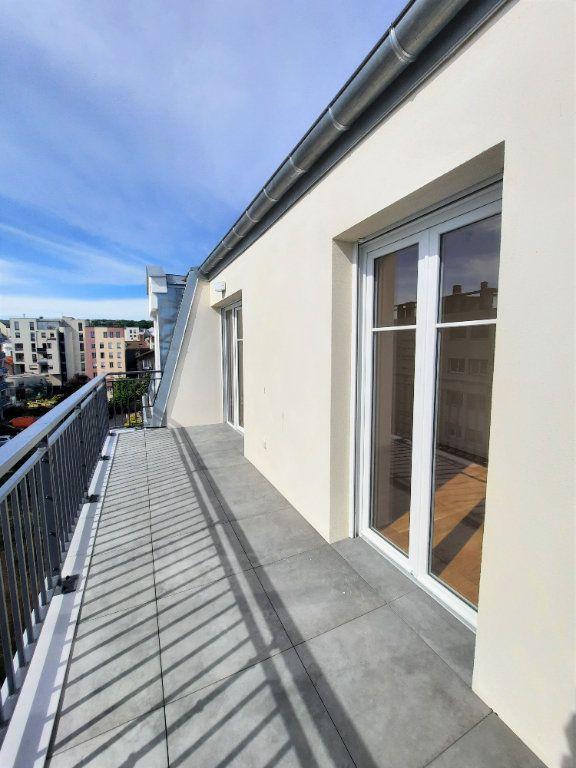 Appartement à louer 4 75.91m2 à Clamart vignette-2