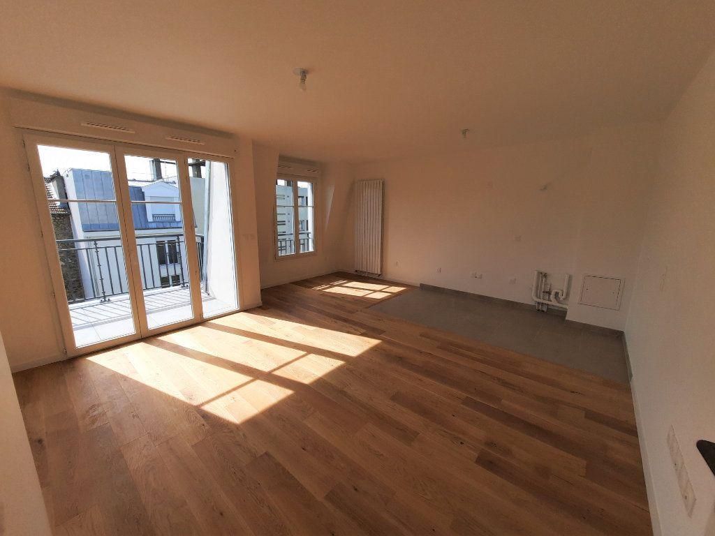 Appartement à louer 4 75.91m2 à Clamart vignette-3