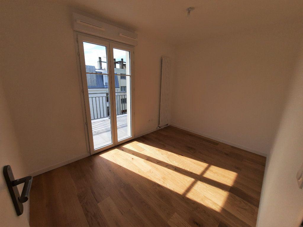 Appartement à louer 4 75.91m2 à Clamart vignette-5
