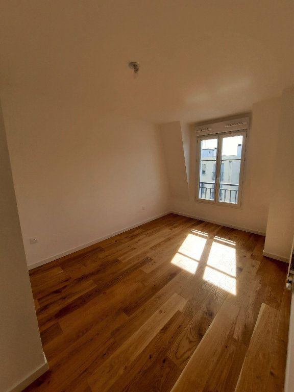 Appartement à louer 4 75.91m2 à Clamart vignette-6