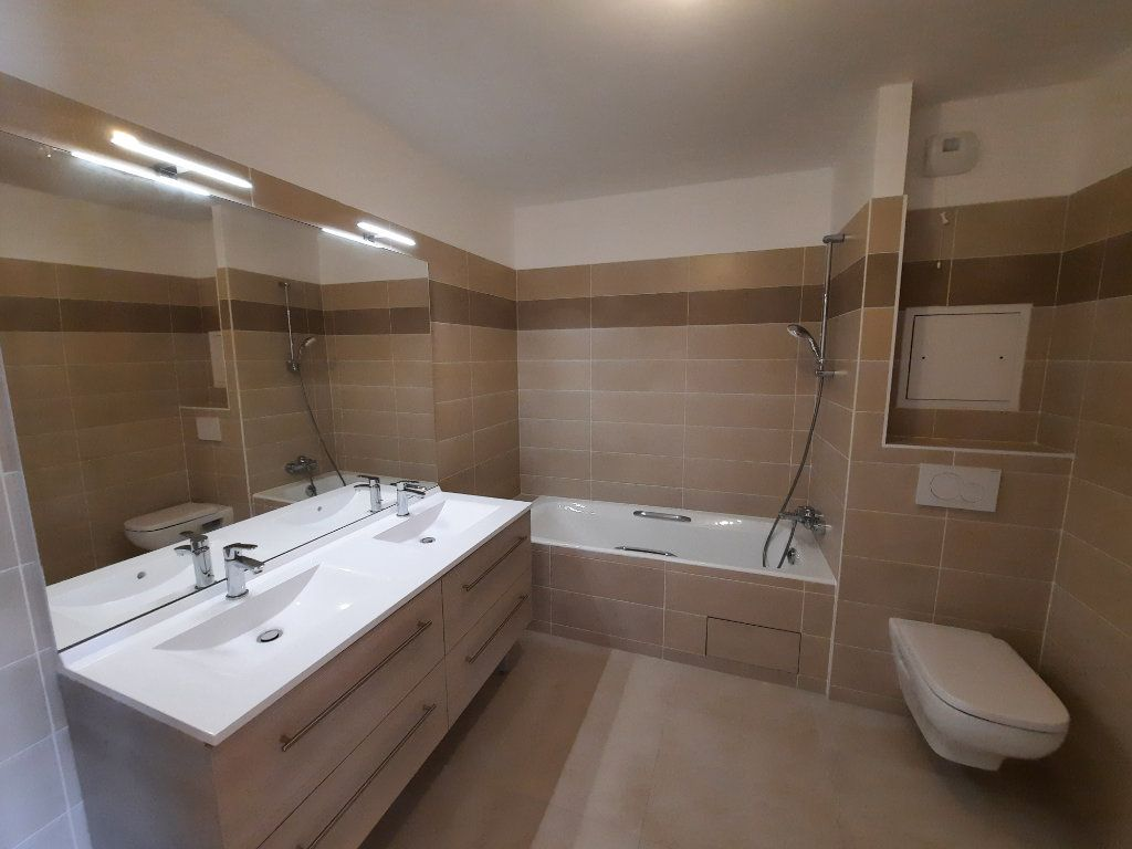 Appartement à louer 4 75.91m2 à Clamart vignette-9