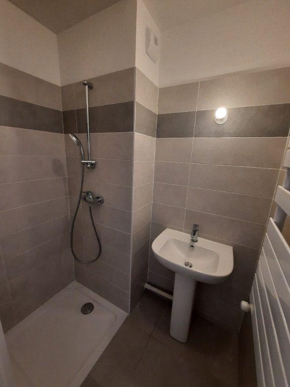 Appartement à louer 4 75.91m2 à Clamart vignette-10