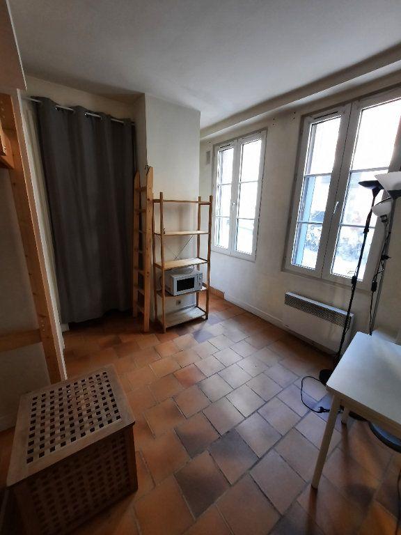 Appartement à louer 1 12m2 à Paris 19 vignette-1