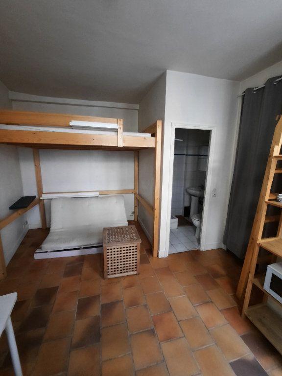 Appartement à louer 1 12m2 à Paris 19 vignette-2