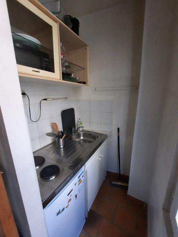 Appartement à louer 1 12m2 à Paris 19 vignette-4