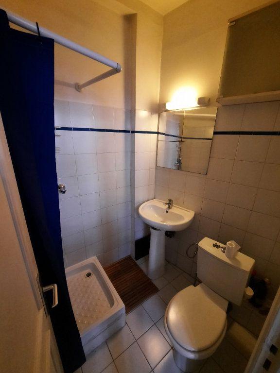Appartement à louer 1 12m2 à Paris 19 vignette-5