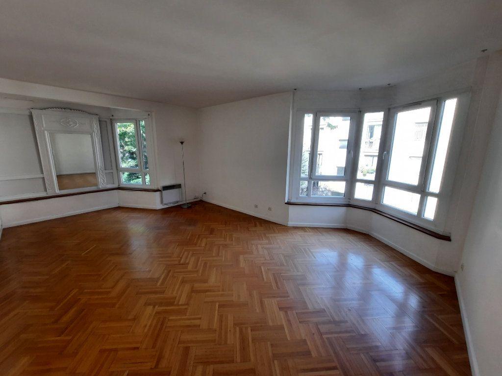 Appartement à louer 4 78.24m2 à Clamart vignette-2
