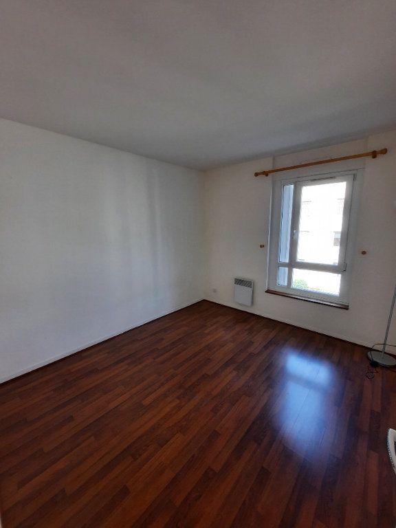 Appartement à louer 4 78.24m2 à Clamart vignette-4