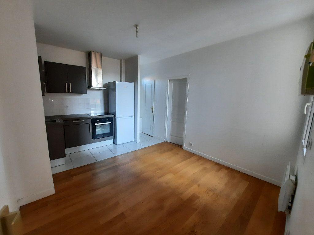 Appartement à louer 2 29.94m2 à Malakoff vignette-1