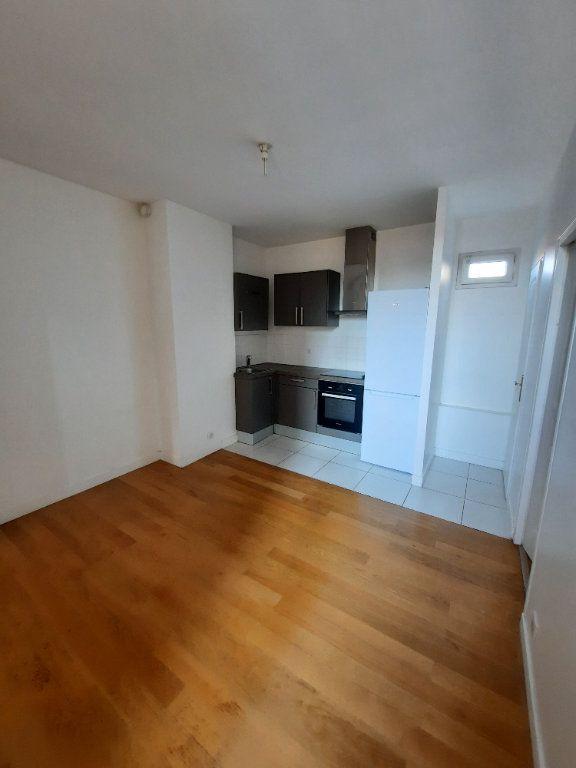 Appartement à louer 2 29.94m2 à Malakoff vignette-2