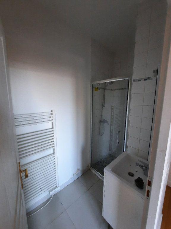 Appartement à louer 2 29.94m2 à Malakoff vignette-4
