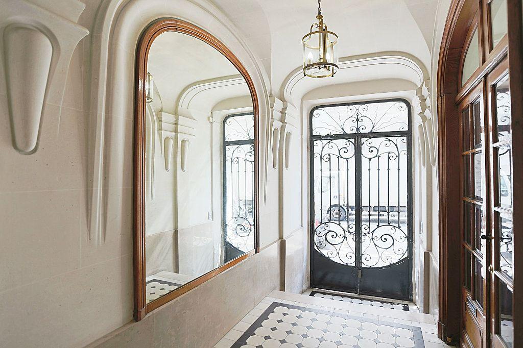Appartement à vendre 3 50.3m2 à Paris 13 vignette-6