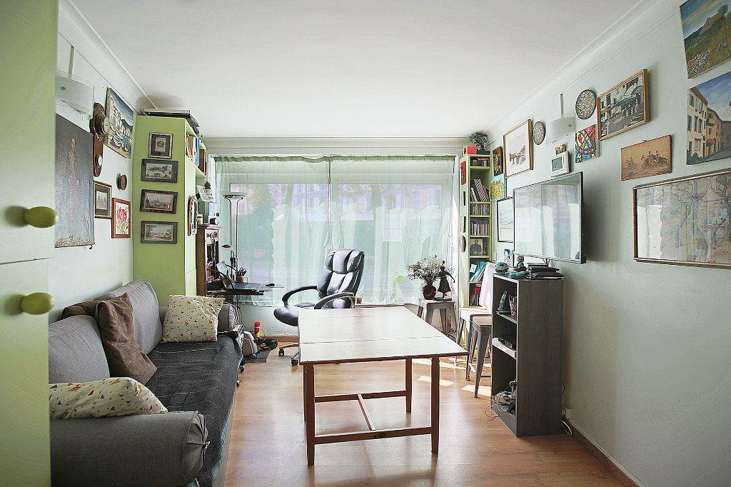 Appartement à vendre 3 43m2 à Paris 14 vignette-2