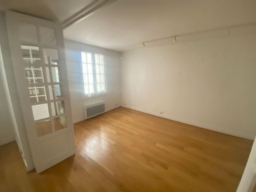 Appartement à vendre 7 148.57m2 à Paris 14 vignette-4