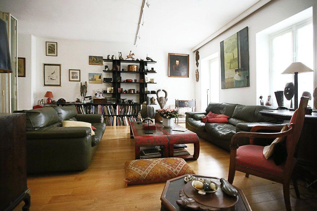 Appartement à vendre 7 148.57m2 à Paris 14 vignette-6