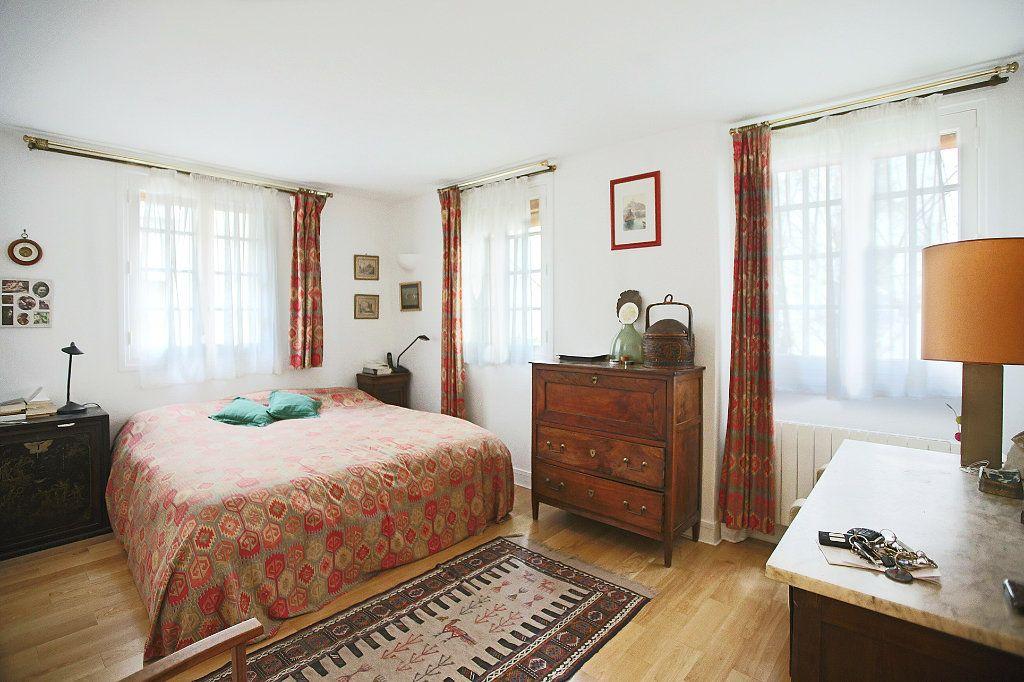 Appartement à vendre 7 148.57m2 à Paris 14 vignette-9