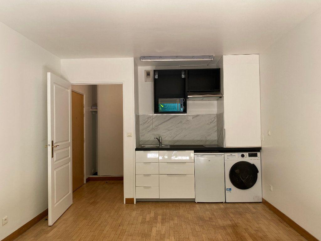 Appartement à louer 1 25.5m2 à Paris 14 vignette-2