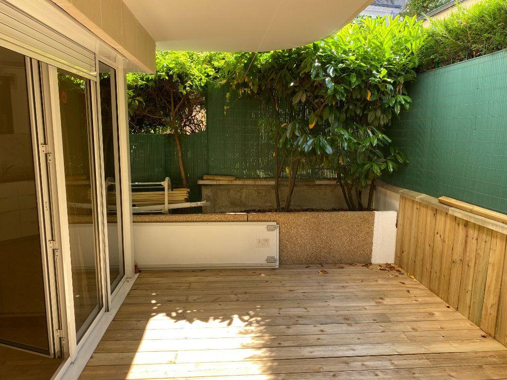 Appartement à louer 1 25.5m2 à Paris 14 vignette-7
