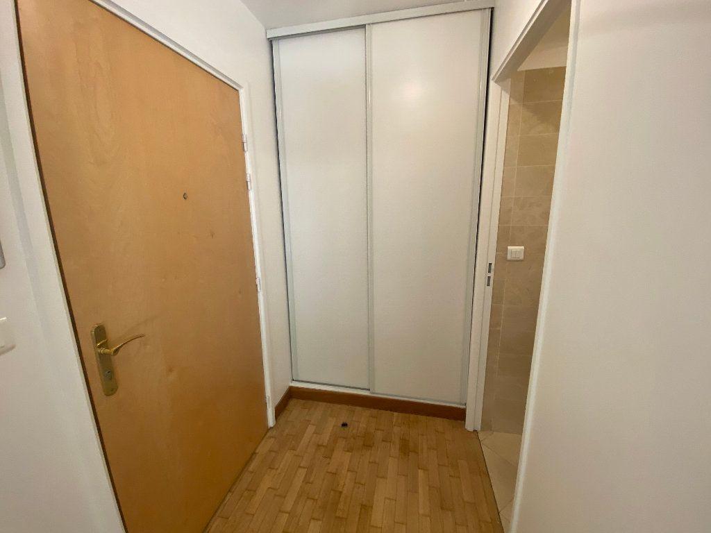 Appartement à louer 1 25.5m2 à Paris 14 vignette-10