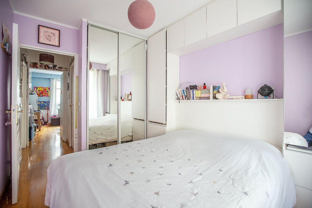 Appartement à louer 3 66m2 à Paris 15 vignette-5