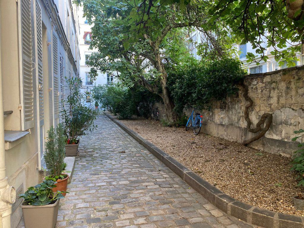 Appartement à louer 2 37m2 à Paris 14 vignette-9