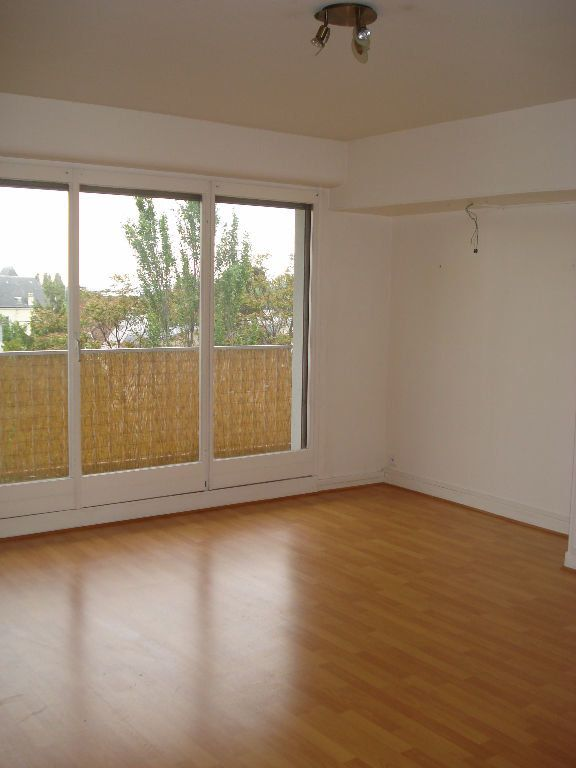 Appartement à louer 2 41m2 à Saint-Maur-des-Fossés vignette-1