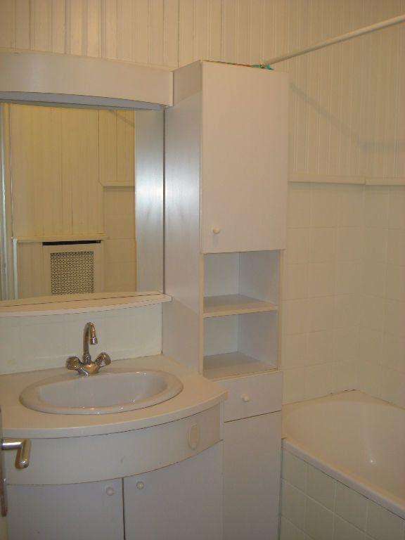 Appartement à louer 2 41m2 à Saint-Maur-des-Fossés vignette-4
