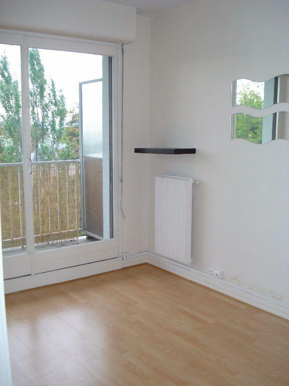 Appartement à louer 2 41m2 à Saint-Maur-des-Fossés vignette-5