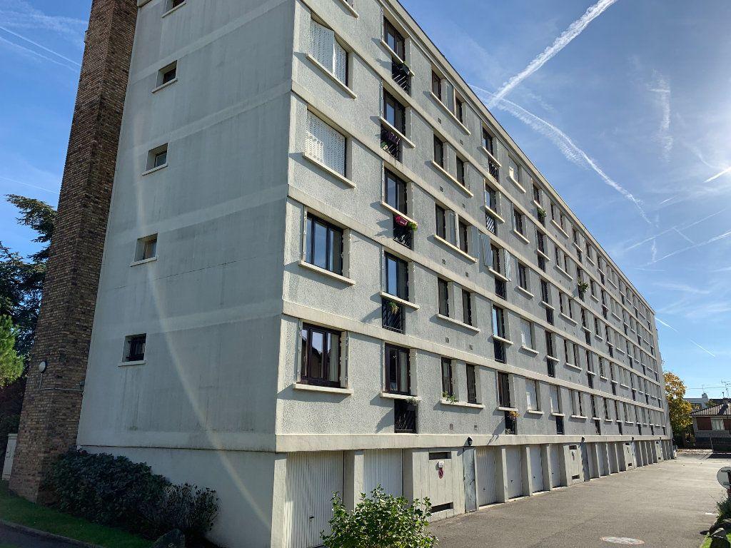 Appartement à louer 3 56.4m2 à Champigny-sur-Marne vignette-1