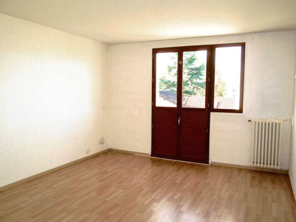 Appartement à louer 3 56.4m2 à Champigny-sur-Marne vignette-3