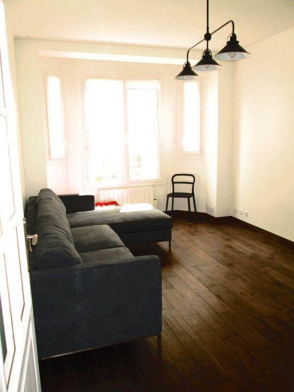 Appartement à louer 3 44.1m2 à La Varenne - Saint-Maur-des-Fossés vignette-2