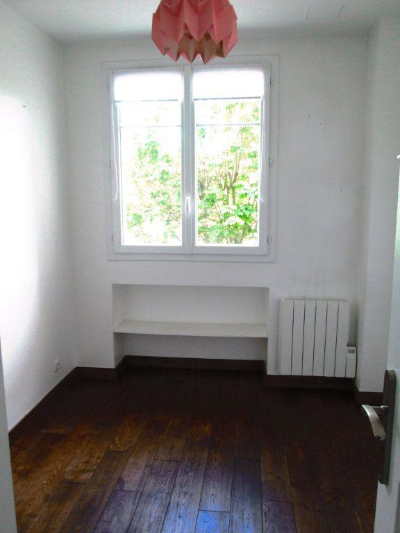 Appartement à louer 3 44.1m2 à La Varenne - Saint-Maur-des-Fossés vignette-5
