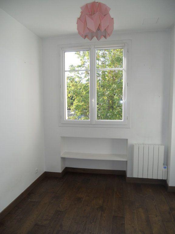 Appartement à louer 3 44.1m2 à La Varenne - Saint-Maur-des-Fossés vignette-6