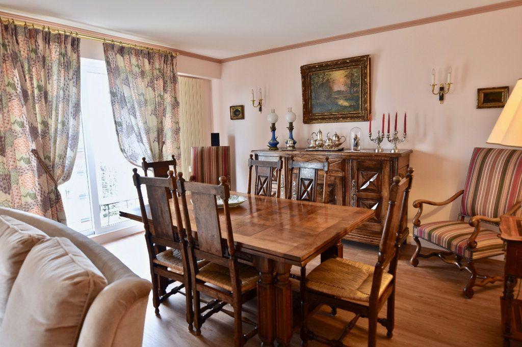 Appartement à vendre 6 120.84m2 à La Varenne - Saint-Maur-des-Fossés vignette-3