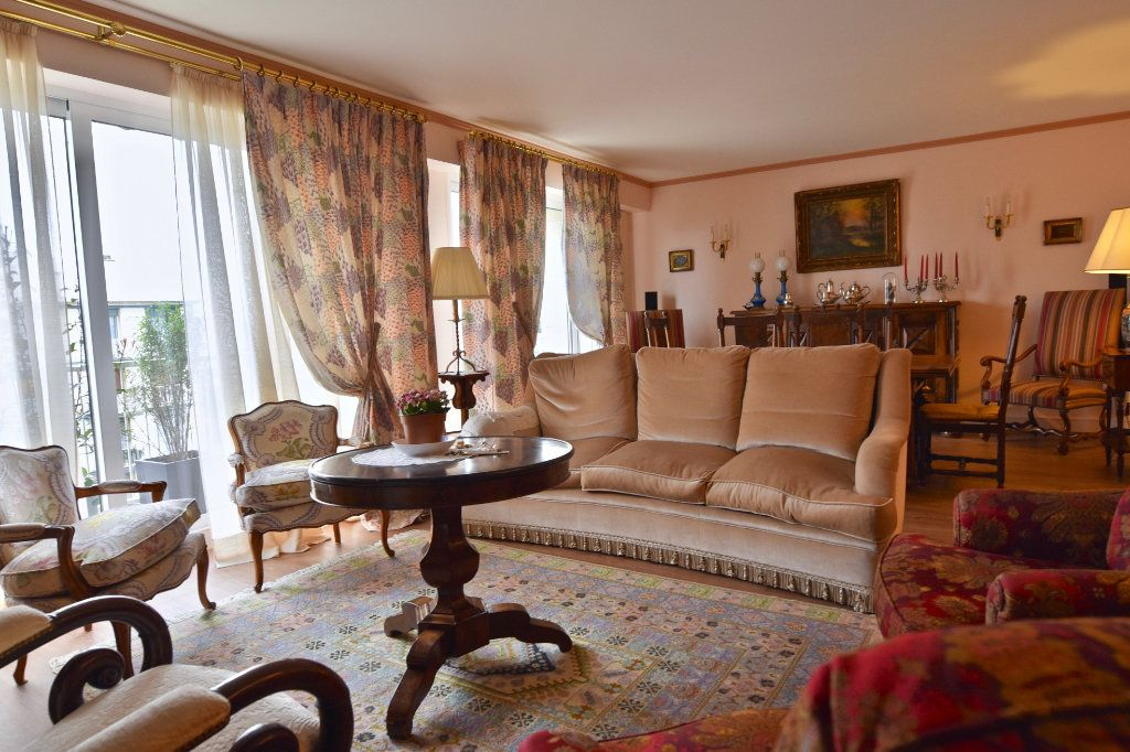 Appartement à vendre 6 120.84m2 à La Varenne - Saint-Maur-des-Fossés vignette-4