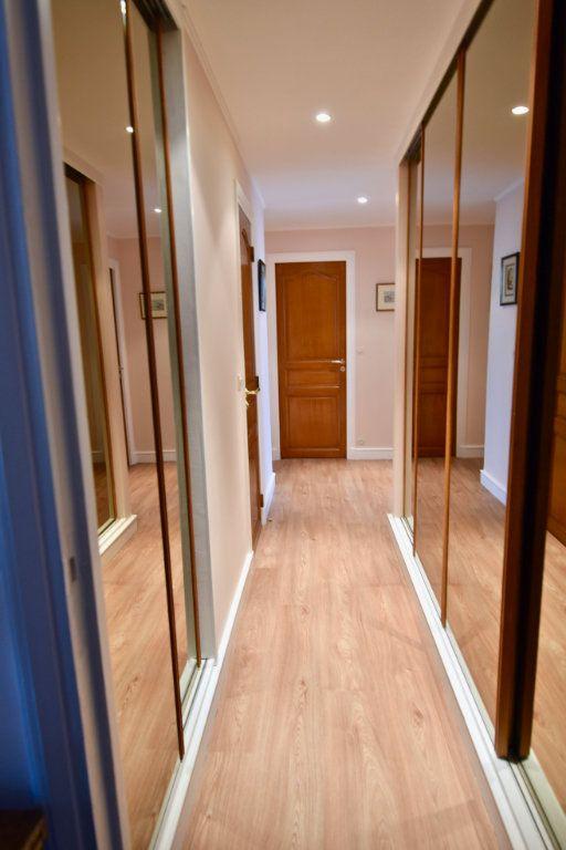 Appartement à vendre 6 120.84m2 à La Varenne - Saint-Maur-des-Fossés vignette-5