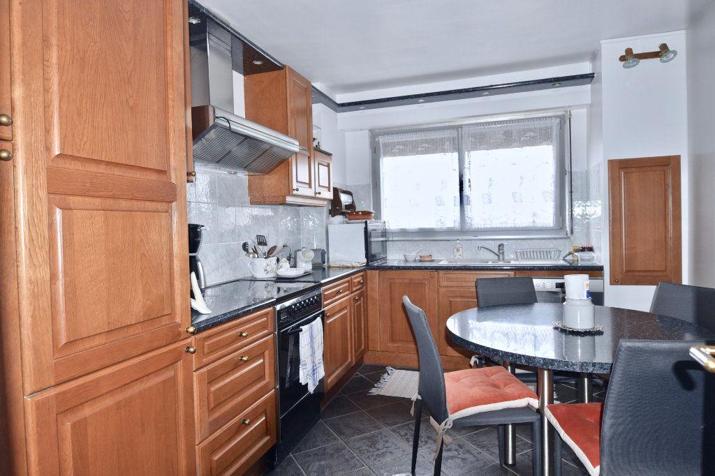 Appartement à vendre 6 120.84m2 à La Varenne - Saint-Maur-des-Fossés vignette-6