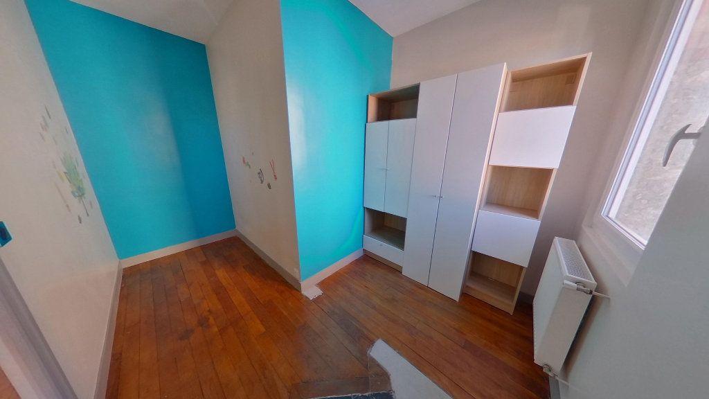 Appartement à vendre 4 79.3m2 à La Varenne - Saint-Maur-des-Fossés vignette-4