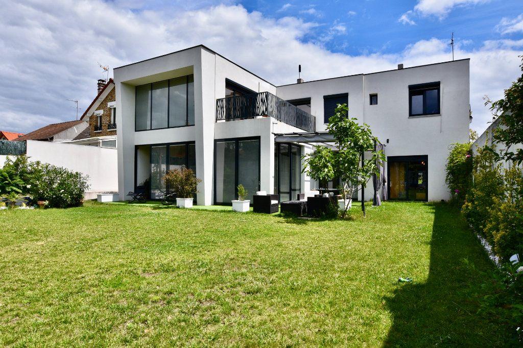 Appartement à vendre 7 240m2 à Saint-Maur-des-Fossés vignette-1