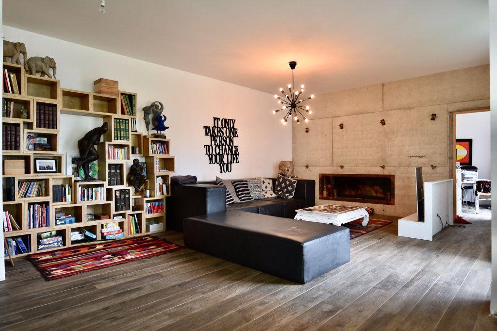 Appartement à vendre 7 240m2 à Saint-Maur-des-Fossés vignette-2