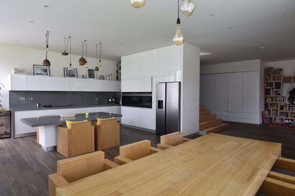Appartement à vendre 7 240m2 à Saint-Maur-des-Fossés vignette-3