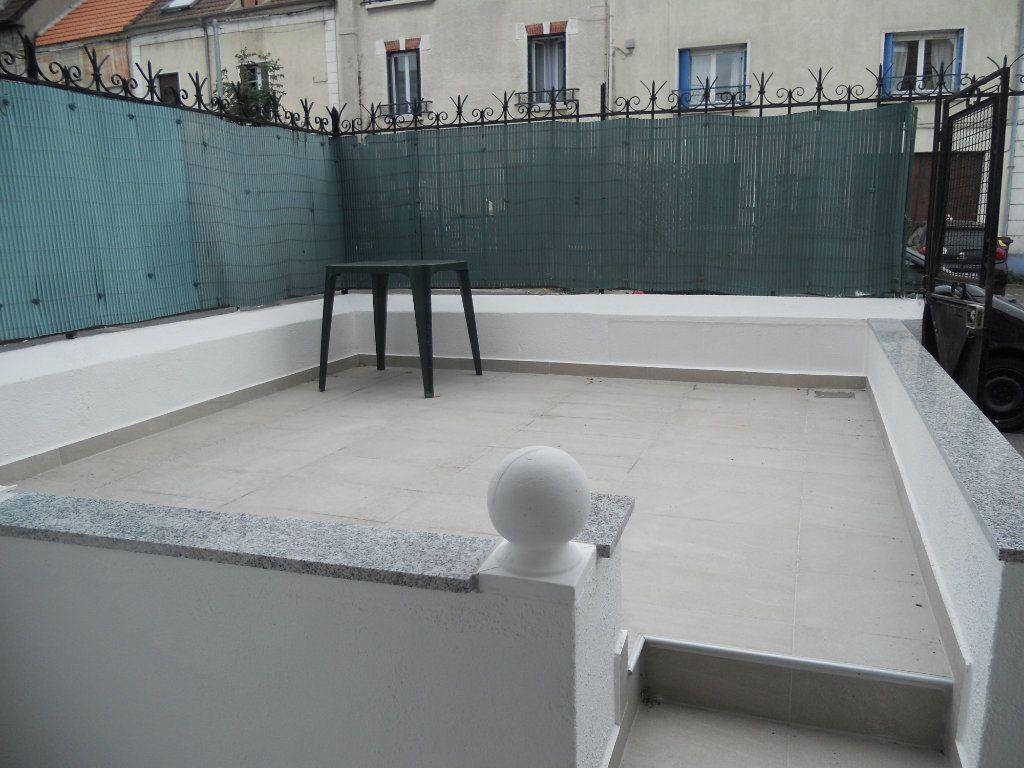 Appartement à louer 1 21.94m2 à Chennevières-sur-Marne vignette-6