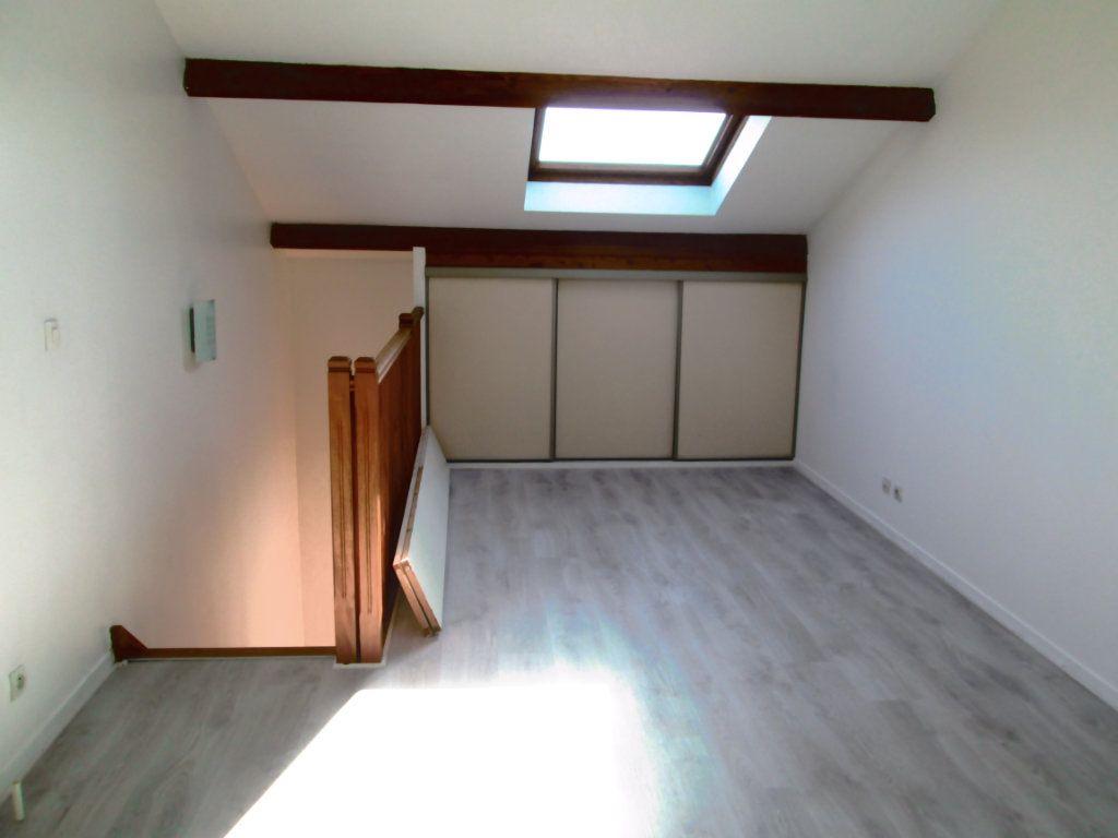 Appartement à louer 2 44m2 à Saint-Maur-des-Fossés vignette-3