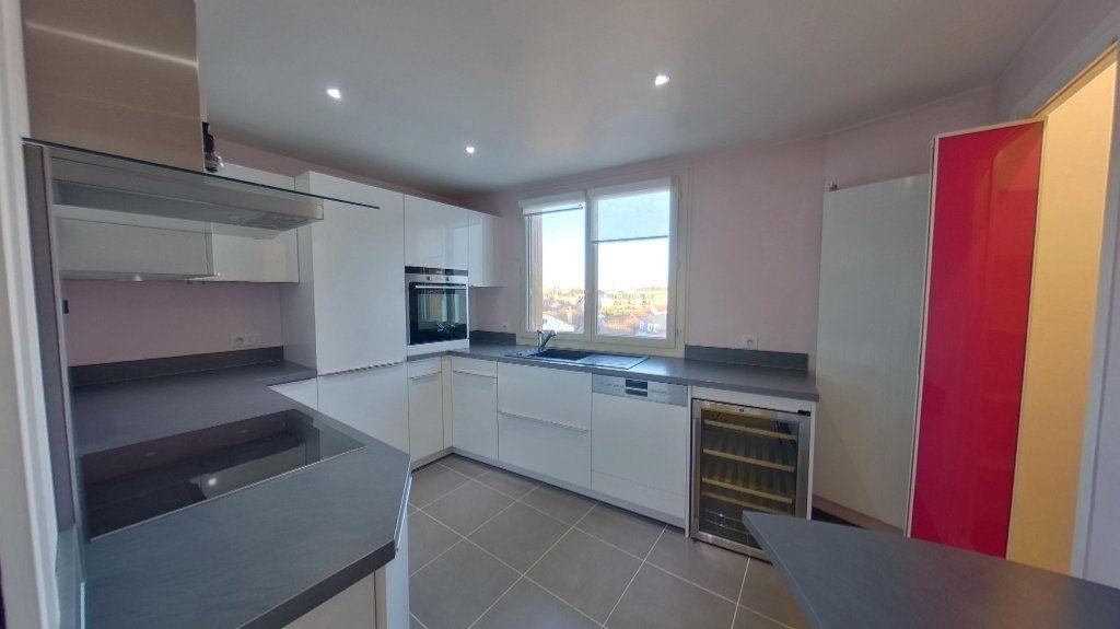 Appartement à vendre 4 84.79m2 à Saint-Maur-des-Fossés vignette-7