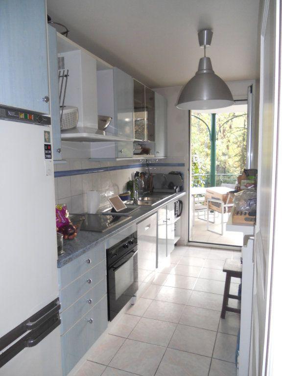 Appartement à louer 3 71m2 à La Varenne - Saint-Maur-des-Fossés vignette-3