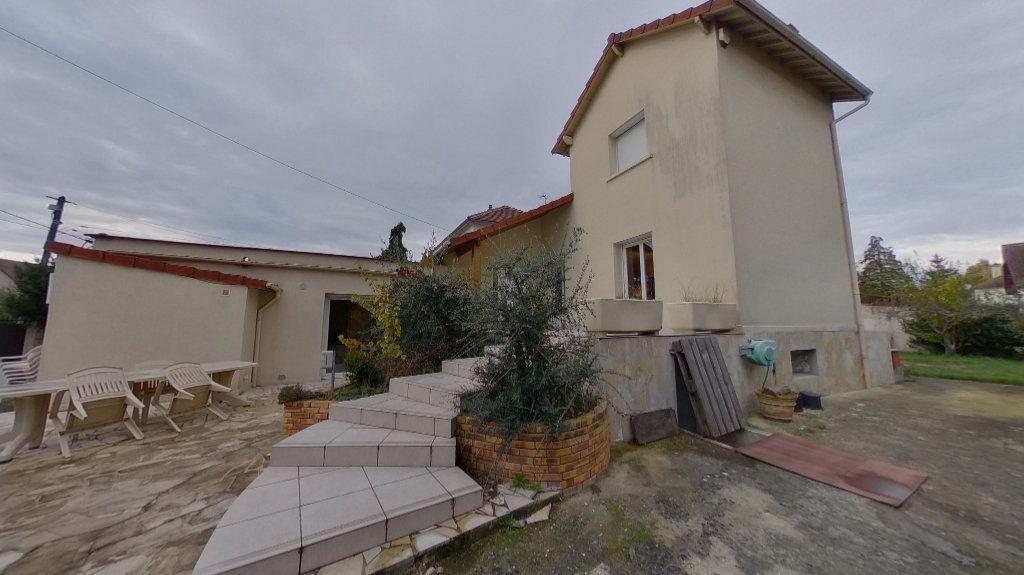 Maison à vendre 5 140m2 à Sucy-en-Brie vignette-1