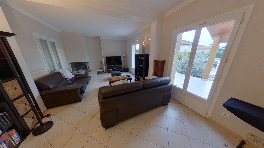 Maison à vendre 5 140m2 à Sucy-en-Brie vignette-2