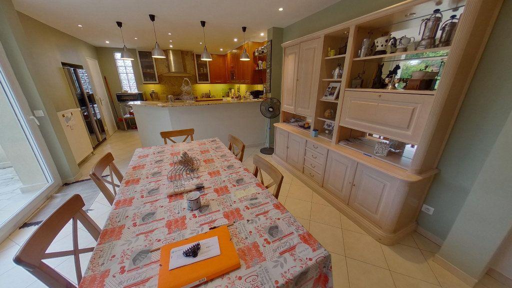 Maison à vendre 5 140m2 à Sucy-en-Brie vignette-3