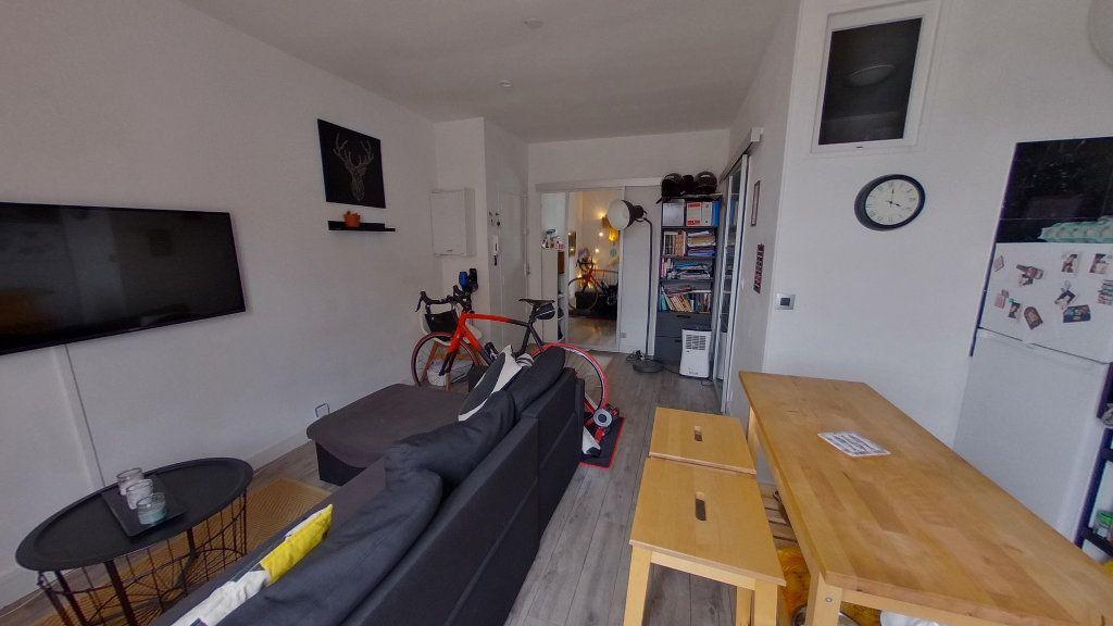 Appartement à vendre 2 29.82m2 à Saint-Maur-des-Fossés vignette-2