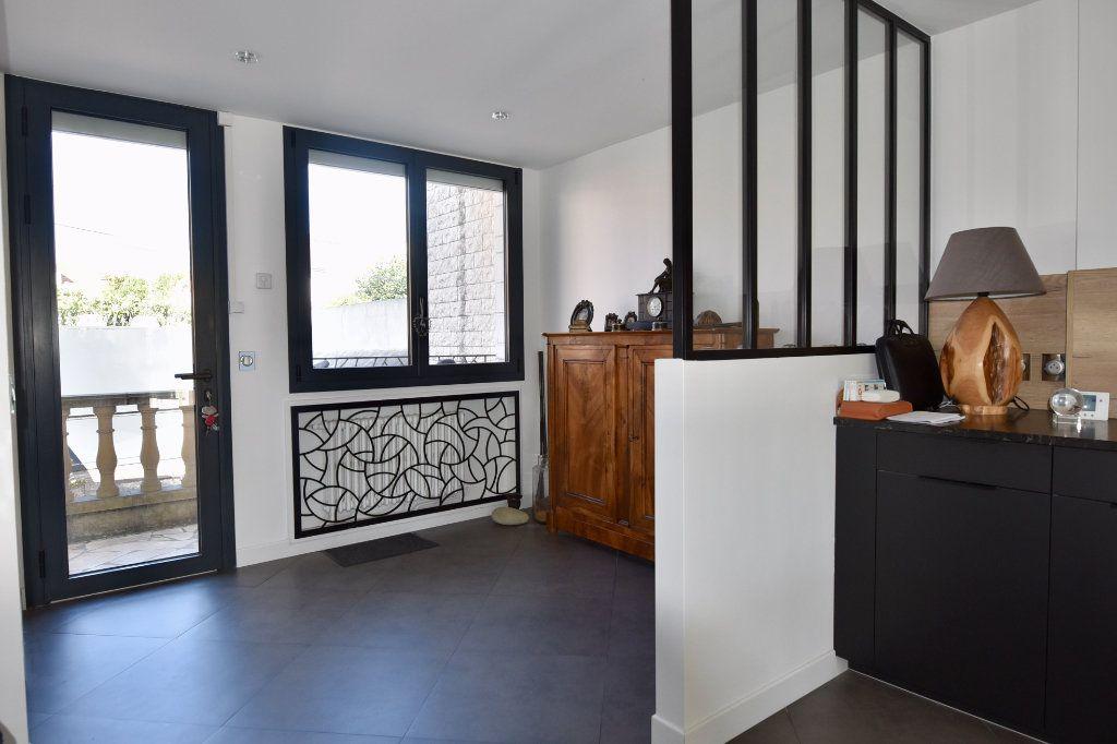 Maison à vendre 9 300m2 à Saint-Maur-des-Fossés vignette-4